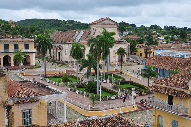 800px-plaza_mayor_-_trinidad_-_cuba