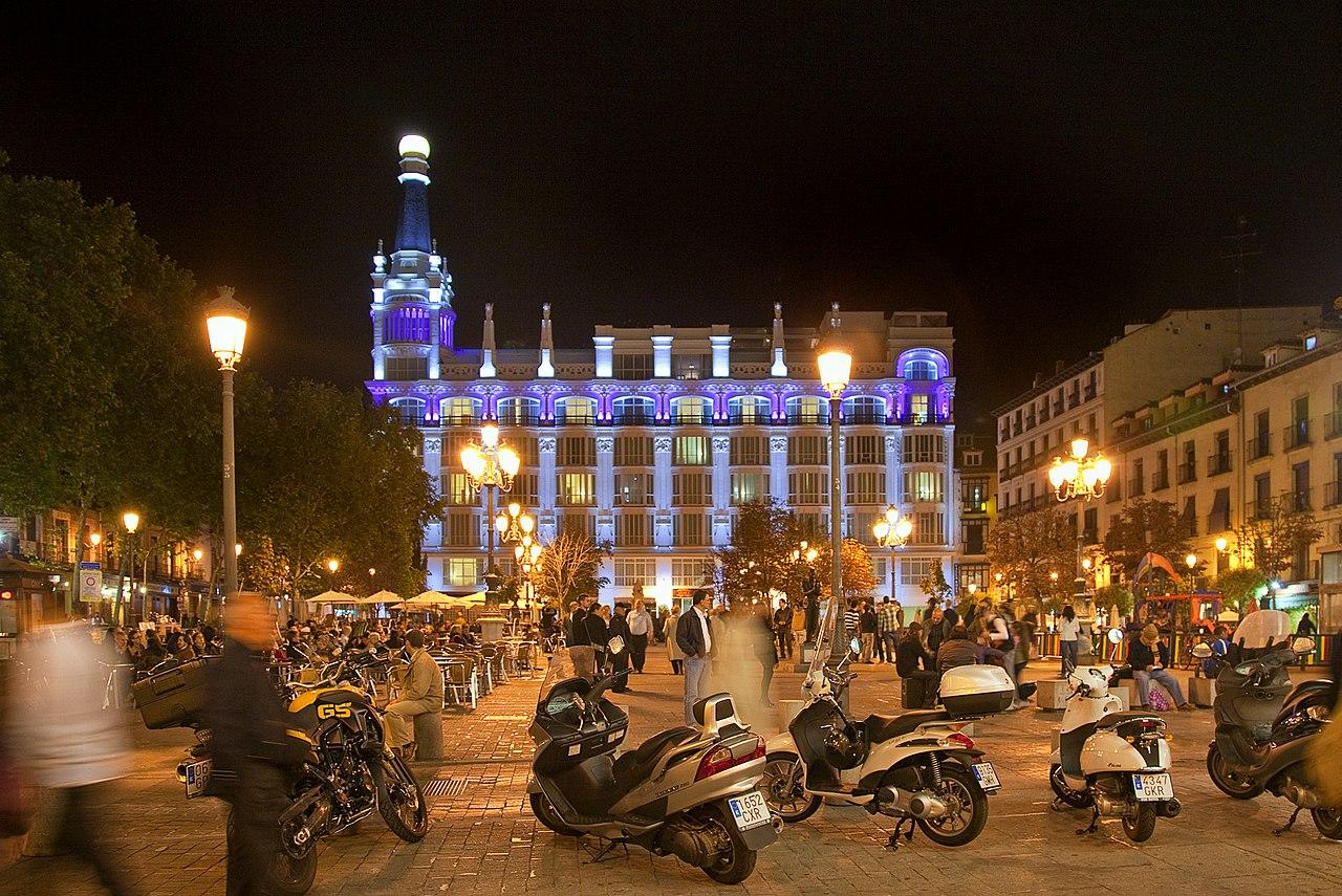 1280px-Plaza_de_Santa_Ana_%28Madrid%29_0