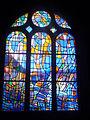 Pontarlier Sainte Bénigne vitrail d'Alfred Manessier.jpg