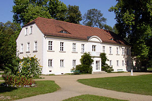 Potsdam Sacrow palace.jpg