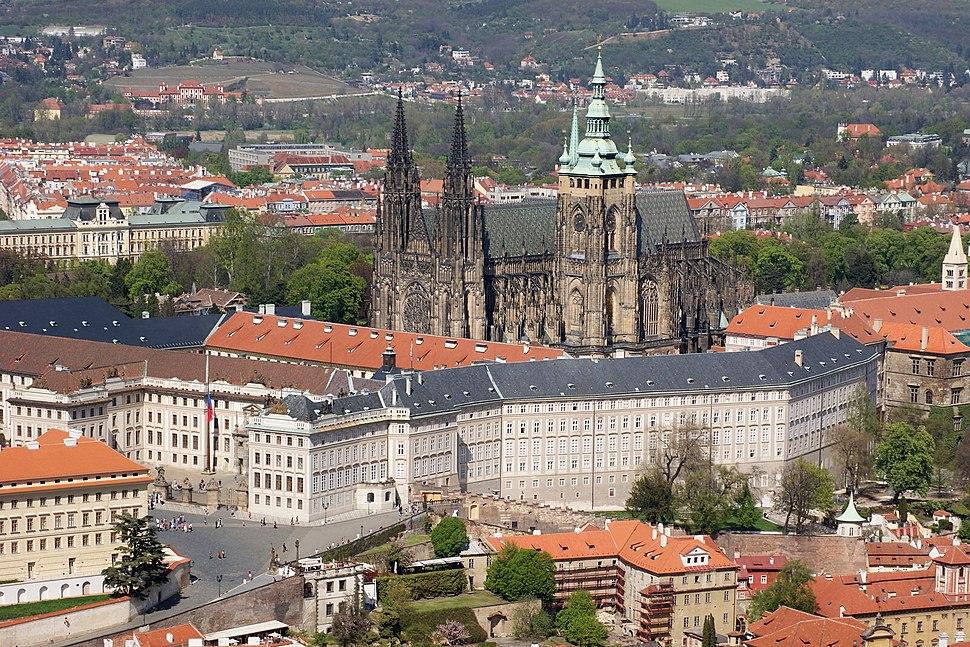 Pražský hrad s katedrálou z Petřína