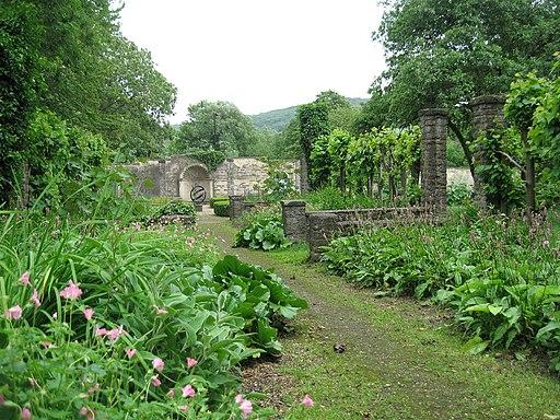 Public Gardens, Batheaston - panoramio