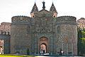 Puerta de la Bisagra de Toledo.jpg