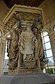 Puits de Moïse XlVem siècle Dijon.jpg