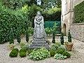 Queen Victoria, Athelhampton House Gardens (geograph 4209847).jpg