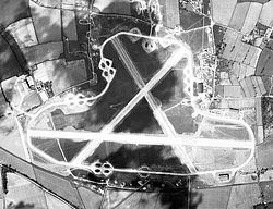 RAF Oulton - 20 Apr 1944 Airphoto.jpg