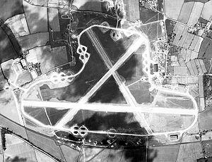 RAF Oulton - Image: RAF Oulton 20 Apr 1944 Airphoto