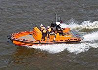 RNLI Boat E-09 (14146438314).jpg