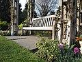 Regent's Park Queen Mary Gardens bench.JPG