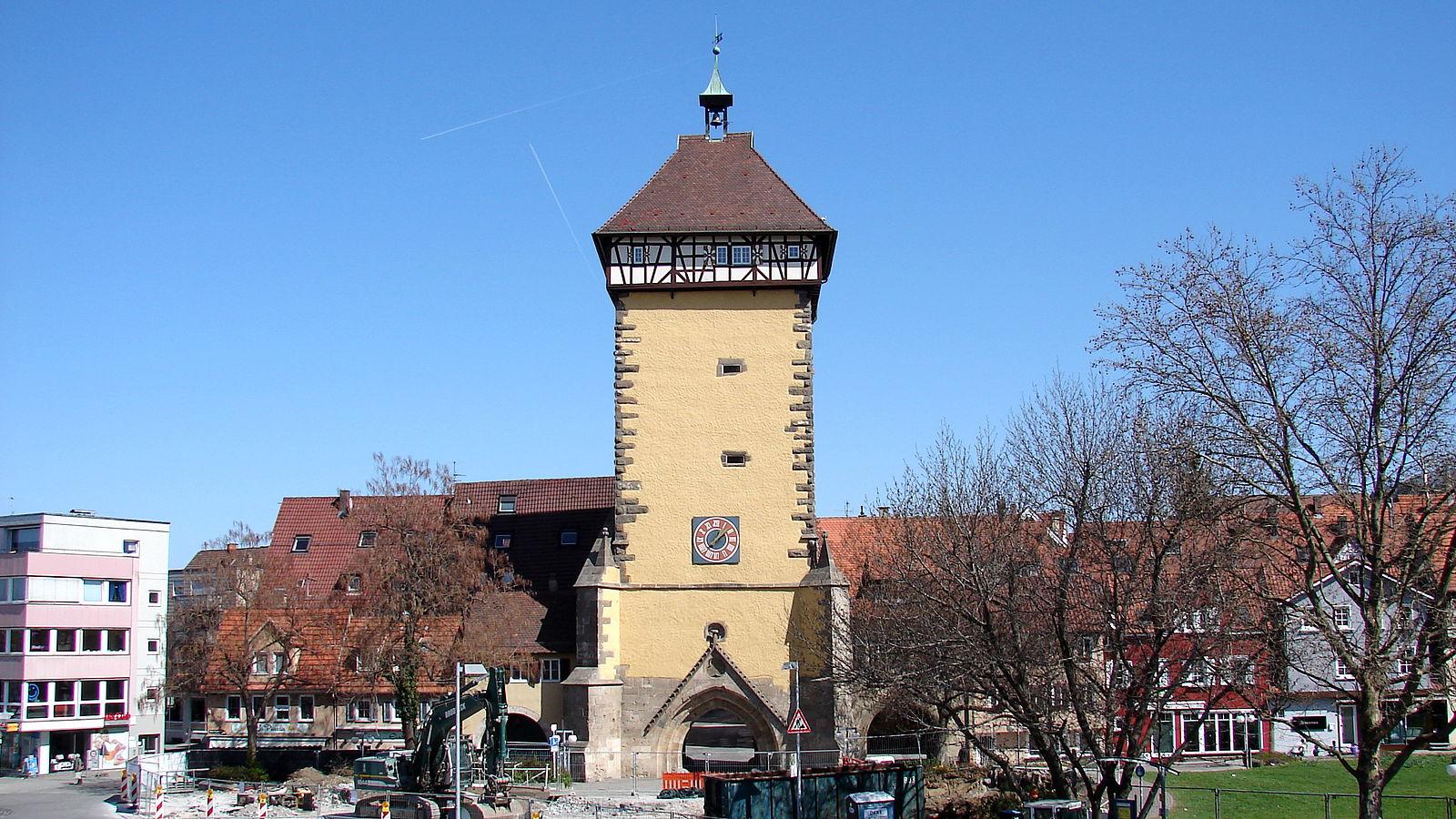 BRD under attack – Terror und Panik: München, Würzburg, Ansbach, Reutlingen - Seite 2 1600px-Reutlingen_T%C3%BCbinger_Tor_2012-04