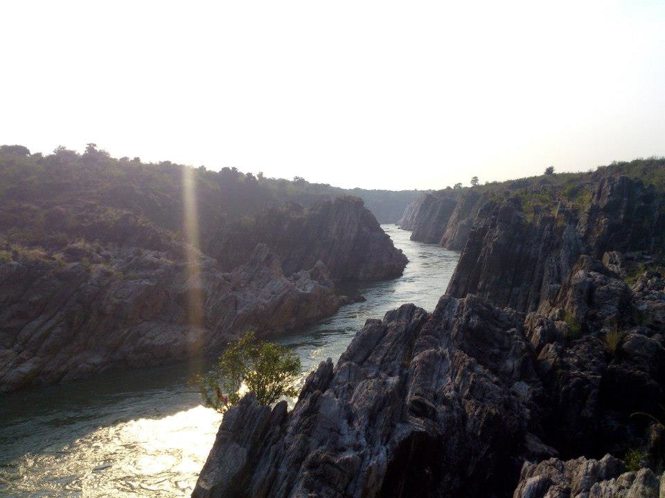 River Narmada flowing through Bhedaghat