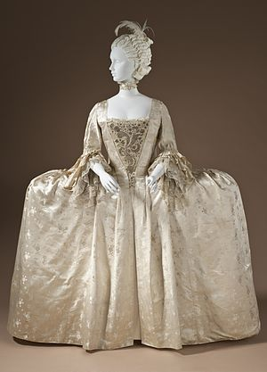 Satin - Satin robe. English, circa 1765