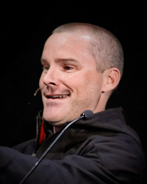 File:Roger Craig Smith.jpg