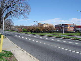 Roosevelt Boulevard (Philadelphia) - Roosevelt Boulevard at Rhawn Street, looking north toward Pennypack Circle