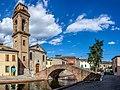 RrbREM Centro storico di Comacchio - Ponte e chiesa del Carmine.jpg