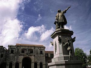 Culture of the Dominican Republic - Parque Colón (Christopher Columbus) in Santo Domingo.