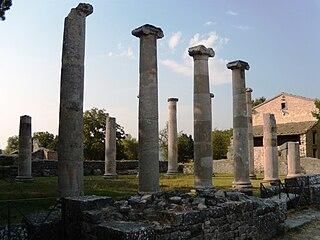 Saepinum Samnite town located c. 15 km south of modern Campobasso.