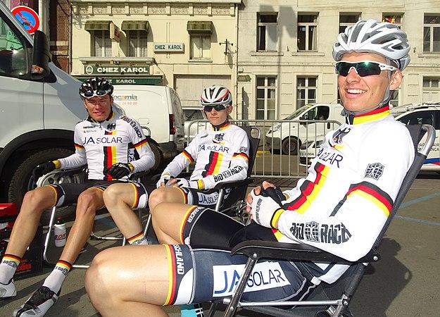 Saint-Amand-les-Eaux - Paris-Roubaix juniors, 12 avril 2015, départ (A27).JPG