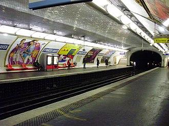 Saint-François-Xavier (Paris Métro) - Image: Saint François Xavier metro quai 01