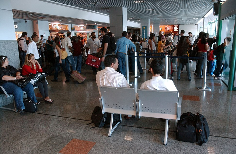 Sala de embarque do Aeroporto Luiz Eduardo Magalhães 3