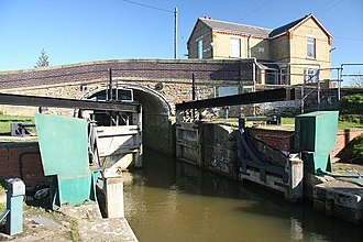 Middle Level Navigations - Salters Lode Lock, at the end of Well Creek, showing the two sets of gates pointing in opposite directions