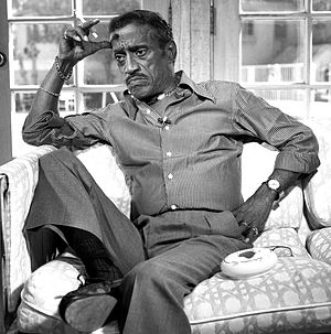 English: portrait of Sammy Davis Jnr