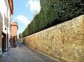 San quirico d'orcia, horti leonini, ingresso e mura 08.jpg