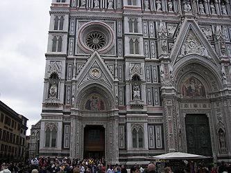 Santa Maria del Fiore facade 4.jpg