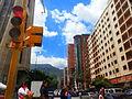 Semáforo en rojo, Caracas, Venezuela.jpg