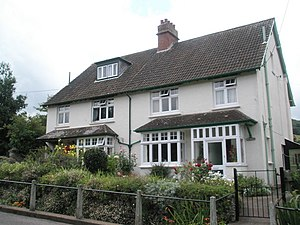 English: Semi detached houses in Doverhay