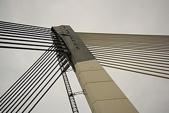 Seri Saujana Bridge - Seri Saujana: 10 pairs of back stay cables in two planes, and 22 main stay cables in one plane