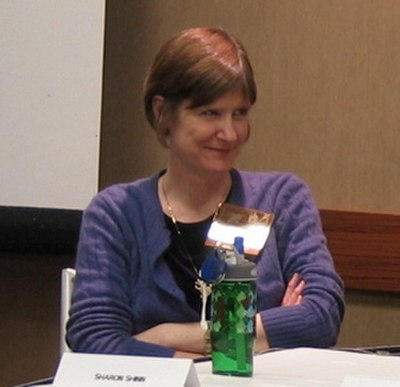 Picture of an author: Sharon Shinn