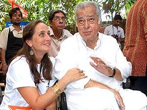 Sanjana Kapoor - Sanjana Kapoor with father Shashi Kapoor