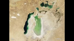 Fichier:Shrinking Aral Sea.ogv