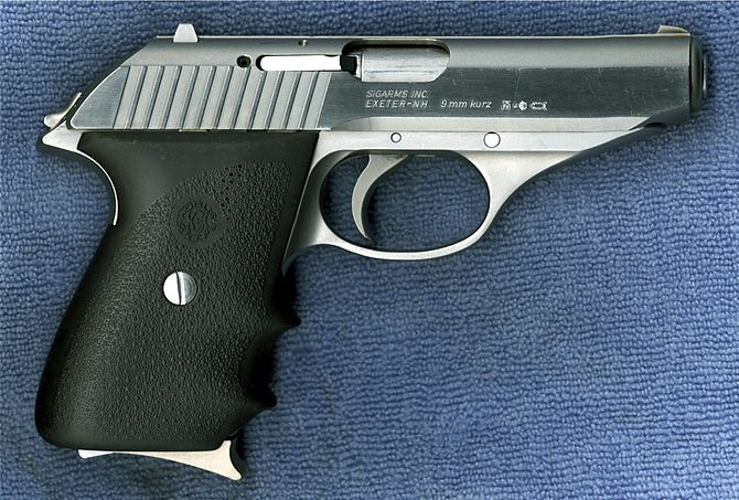 English: Sig Sauer P230 SL as viewed from righ...