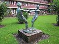 Skulptur von Ludolf Albrecht im Innenhof zwischen Mülhäuser Straße und Schlettstadter Straße in Hamburg-Dulsberg 1.jpg