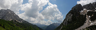 Slovenian Mountain Range Panorama 2.jpg