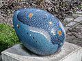 Social egg of mozaiek ei, kunst in het Amstelpark pic1.jpg