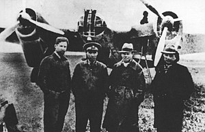 Tupolev SB - Soviet aviators at Hankou airfield.