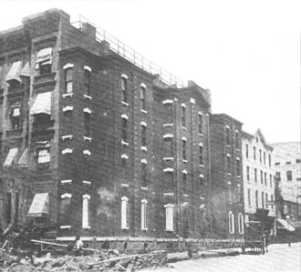 Spite house - The Richardson Spite House in 1895
