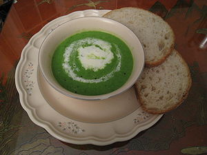 English: Spring pea soup, with creme fraiche g...