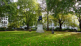 St James's Square - The gardens