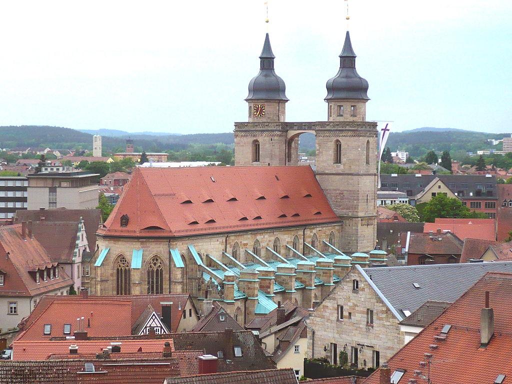 Blick vom Schlossturm auf die Stadtkirche Bayreuth