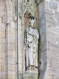 Statue cathédrale Coutances Hauteville 2.JPG