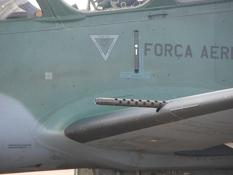 الطائره المكافحه للارهاب Embraer EMB 314 Super Tucano 800px-Super_Tucano_FN_Herstal_M3P
