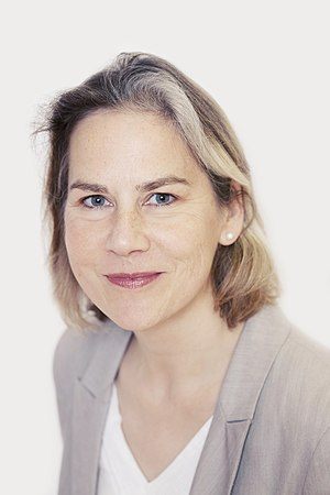 Tania Mathias - Image: Tania Mathias Headshot