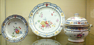 Frankenthal Porcelain Factory - Pieces from a dinner service of 1782