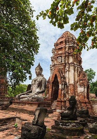 Ayutthaya Historical Park - Image: Templo Mahathat, Ayutthaya, Tailandia, 2013 08 23, DD 08