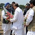 The Prime Minister, Dr. Manmohan Singh being received by Governor of Maharashtra, Shri K. Sankaranarayanan, in Nandurbar, Maharashtra on September 29, 2010.jpg