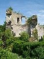 Thiers-sur-Thève (60), ruines du château, tour d'angle sud-ouest.jpg